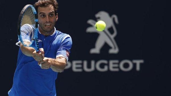 بينولاس يهزم شتيبي ويحرز لقب بطولة سويسرا المفتوحة للتنس