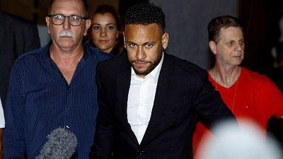 Brasile: Neymar, cadute accuse stupro