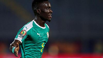 PSG sign Everton's Gueye on four-year contract