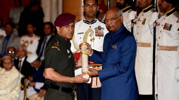 India's Dhoni to pull guard duty in troubled Kashmir as honorary colonel