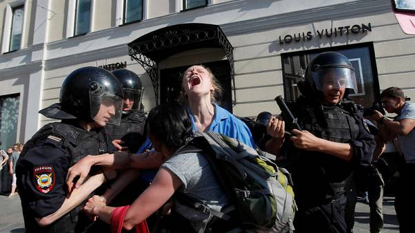 U.N. decries Russian use of force against protesters