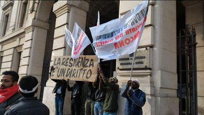 Migranti: Ancona, sì iscrizione anagrafe
