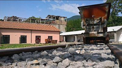 Cammino in gallerie minatori su Amiata