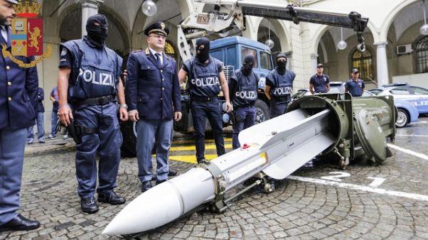 Arsenale neonazi, sequestrate altre armi