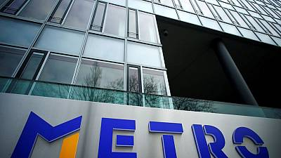Investors shun Kretinsky's Metro offer - filing
