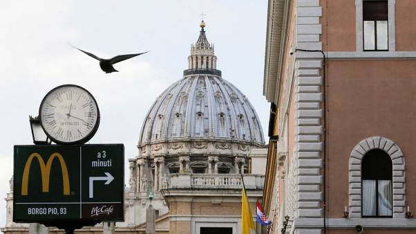Italy bars McDonald's fast-food amidst monuments of ancient Rome