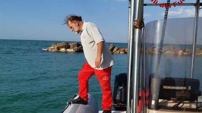 Ancona, 27enne annega mentre fa il bagno