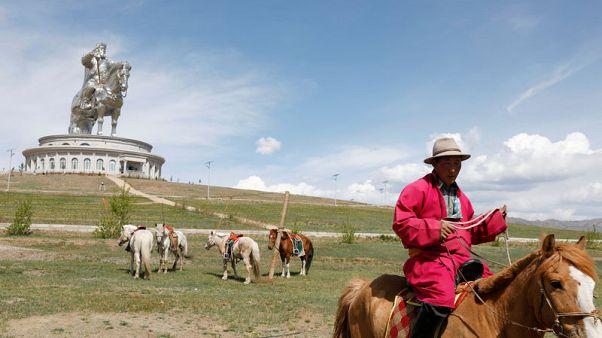 """ترامب يختار اسم """"فيكتوري"""" لحصان أهداه رئيس منغوليا لنجله"""