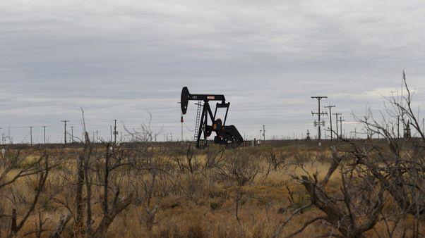 النفط ينخفض 1% بعد قرار مجلس الاحتياطي وزيادة الإنتاج الأمريكي