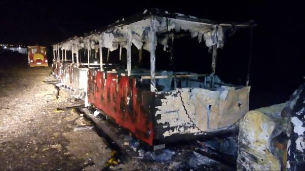 Incendiato trenino turistico all'Asinara