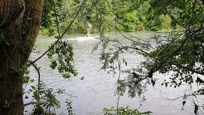 Giovane annega nel fiume Oglio