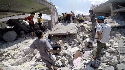 المرصد السوري: لا غارات جوية بشمال غرب سوريا مع إعلان وقف إطلاق النار