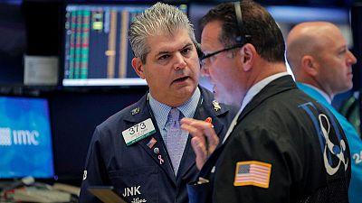 بورصة وول ستريت تهبط مع تجدد مخاوف التجارة