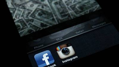 فيسبوك تبدأ في إضافة اسمها إلى اسم تطبيق إنستجرام