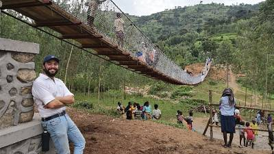 Modenese 'uomo dei ponti' in Ruanda