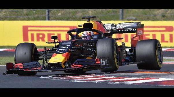 F1:Ungheria,Verstappen davanti a metà Gp