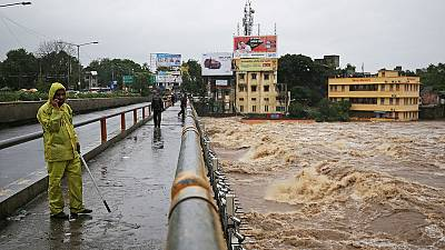 Hundreds stuck in India's financial capital Mumbai as heavy rain disrupts Mumbai rail service