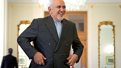 """ظريف: إيران لن تغض الطرف عن أي """"جرائم بحرية"""" في الخليج"""
