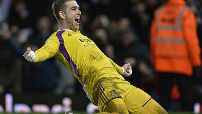 Liverpool sign goalkeeper Adrian