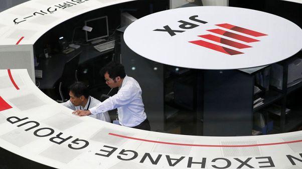أسهم اليابان عند أدنى مستوى في 7 أشهر مع تصاعد التوترات بين أمريكا والصين