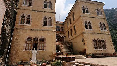 في لبنان .. دير يجمع شتات مسيحيين فرقتهم الحرب
