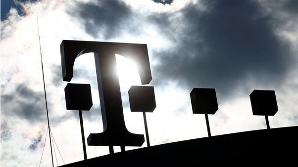 EU charges Czech mobile operators with blocking rivals