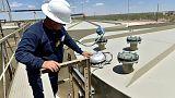 زيادة غير متوقعة في مخزونات النفط الأمريكية الأسبوع الماضي بفعل قفزة للواردات