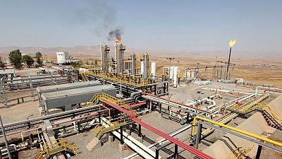 النفط يهبط لأدنى مستوى في 7 أشهر بفعل توترات التجارة وزيادة في المخزونات الأمريكية