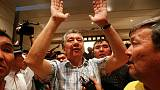 أنصار رئيس قرغيزستان السابق أتامباييف يمنعون قوات الأمن من اعتقاله