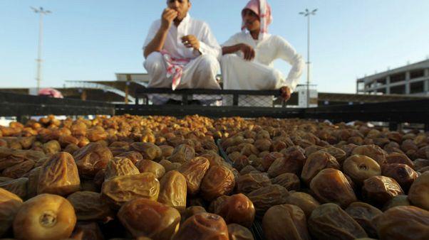 حصري-مصادر: صندوق الاستثمارات العامة السعودي يتطلع للاستثمار في بتيل لإنتاج التمور