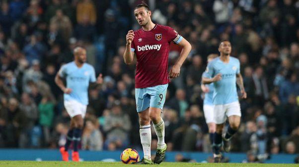 Striker Carroll rejoins Newcastle