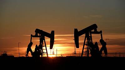 Oil prices rise on expectations of more OPEC output cuts
