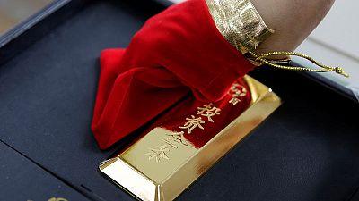 الذهب يستقر قرب 1500 دولار للأوقية ويسجل أفضل أداء أسبوعي في ثلاث سنوات