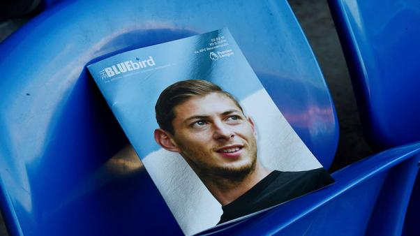 Two guilty of taking photos of body of dead soccer player Sala