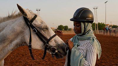 نادي الفروسية بالخرطوم يعاني وسط اضطرابات السودان