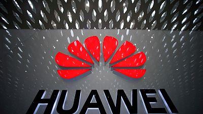 مسؤولون: أمريكا ما زالت تعكف على تقييم طلبات لبيع معدات إلى هواوي الصينية