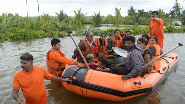 Death toll from India floods rises to 95, hundreds of thousands evacuated