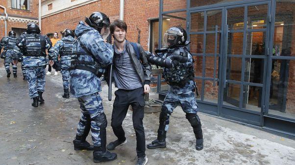 الشرطة الروسية تحتجز أكثر من 70 شخصا في احتجاجات للمعارضة