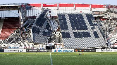 Olanda, crolla tetto stadio Az Alkmaar