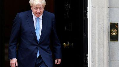 """رئيس وزراء بريطانيا يؤيد سلطات الشرطة """"للإيقاف والتفتيش"""""""