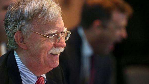 مستشار ترامب للأمن القومي يدعو بريطانيا لتشديد موقفها تجاه إيران