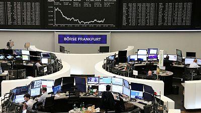 European shares fall as growth worries grip
