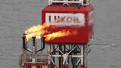 ارتفاع إنتاج لوك أويل من النفط والغاز باستثناء غرب القرنة-2 بنسبة 2.8% في النصف/1