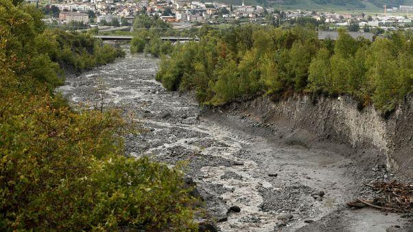 الشرطة: فقد رجل وفتاة بعد عاصفة قوية في سويسرا
