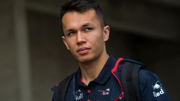 La Red Bull promuove thailandese Albon
