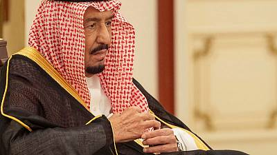 التلفزيون السعودي: الملك سلمان وولي عهد أبوظبي يبحثان الوضع في اليمن