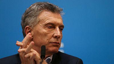 رئيس الأرجنتين يتعهد بتعويض نتيجة انتخابات تمهيدية والفوز بولاية ثانية