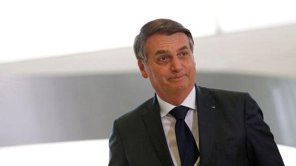 رئيس البرازيل يحذر من أزمة مهاجرين أرجنتينيين إذا خسر ماكري الانتخابات