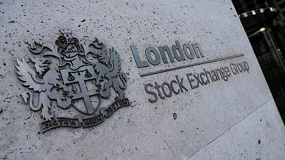 UK shares in the red as risk aversion prevails
