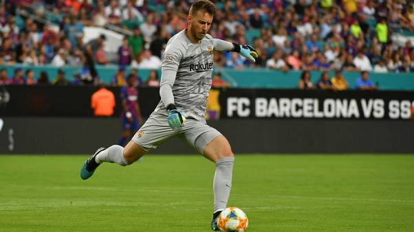 Barcelona goalkeeper Neto out for up to two months after wrist surgery